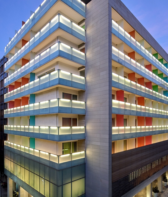 Fresh Hotel Architecture in Athens