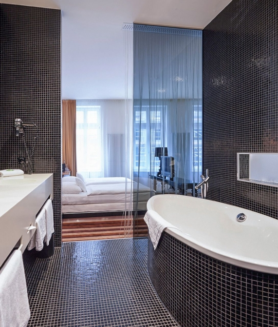Hotel Uberfluss Bathtub in Bremen