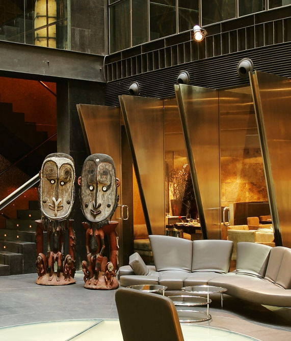 Hotel Urban - Lobby Sculptures