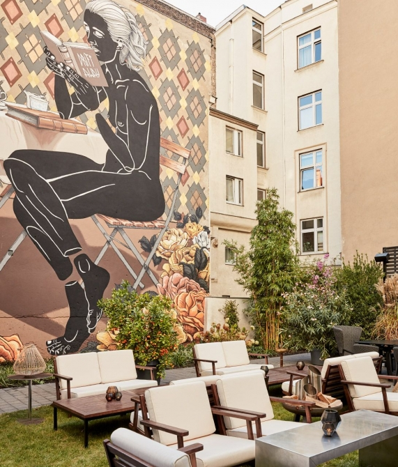 Sir Savigny Terrace In Berlin