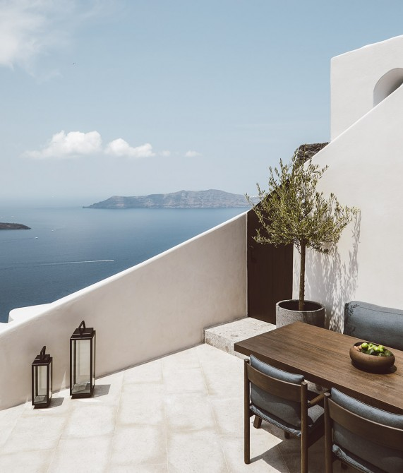 Vora Terrace on Santorini