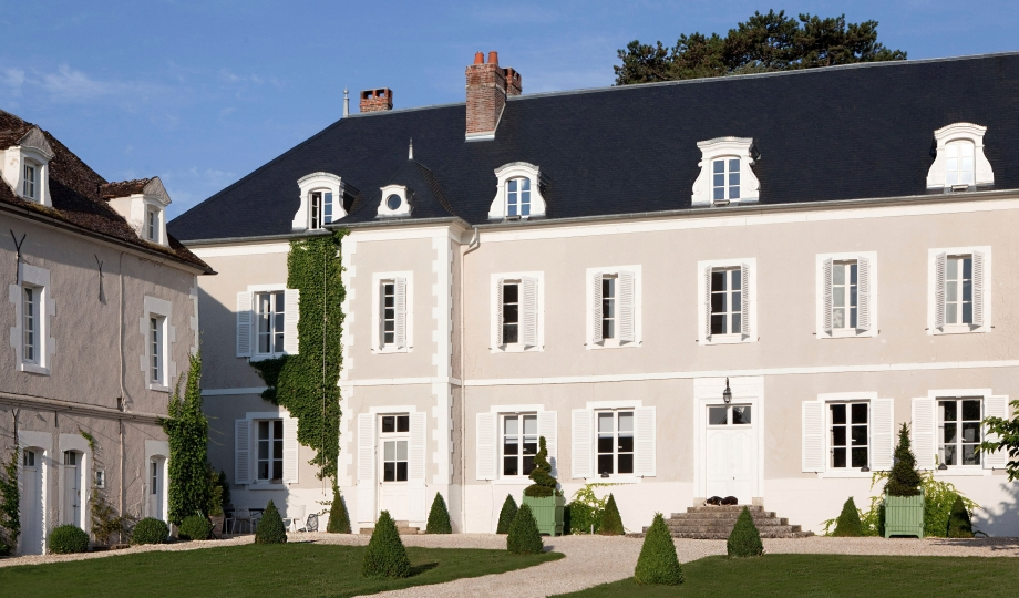 Chateau de la resle montigny la resle france design for Design hotels france