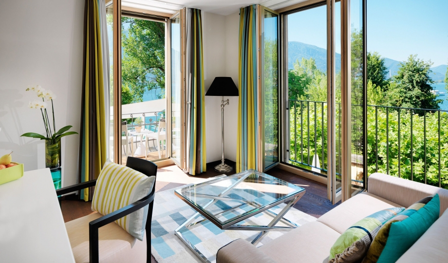 Giardino lago minusio lake maggiore switzerland for Lago living room