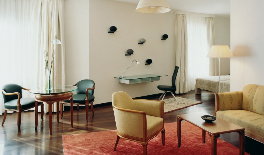 Hotel greif bolzano italy design hotels for Design hotel 54 nord