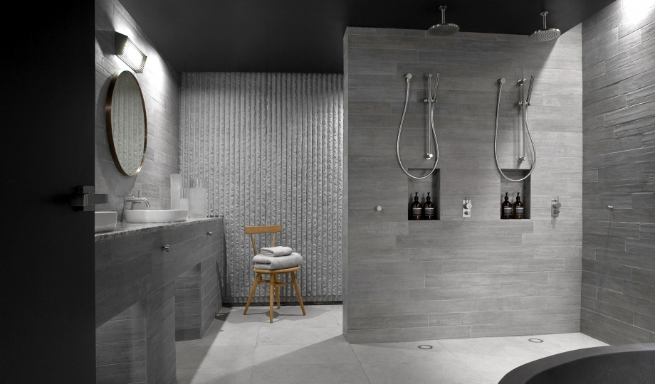 Hotel Bathroom Design Example Of A Minimalist In Canberra Queanbeyan