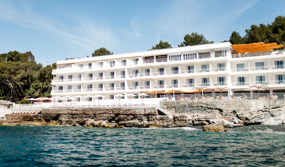 H tel les roches rouges saint raphael france design hotels - Les roches rouges saint raphael ...
