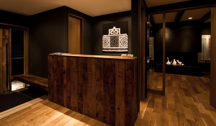 Kimamaya boutique hotel niseko japan design hotels for Design hotel reception