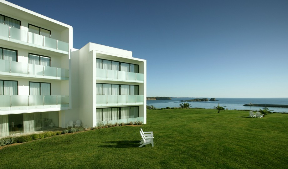 Memmo baleeira algarve portugal design hotels for Design hotel algarve