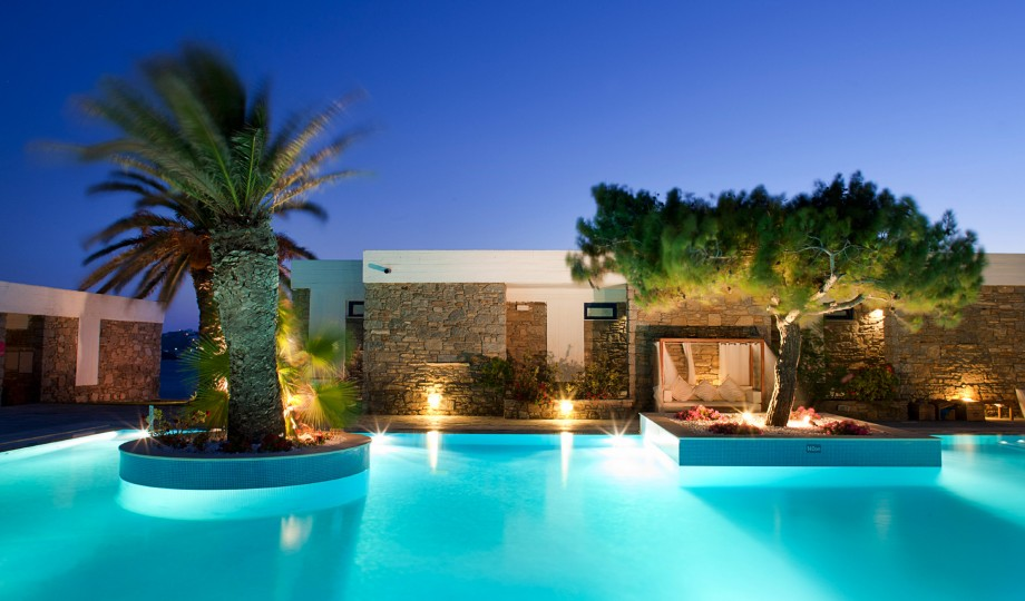 Mykonos theoxenia greece design hotels for Top design hotels mykonos