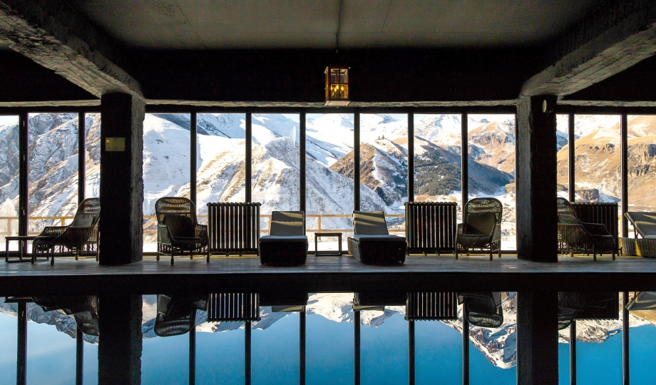 Rooms hotel kazbegi stepantsminda georgia design hotels for Top 10 design hotels europe