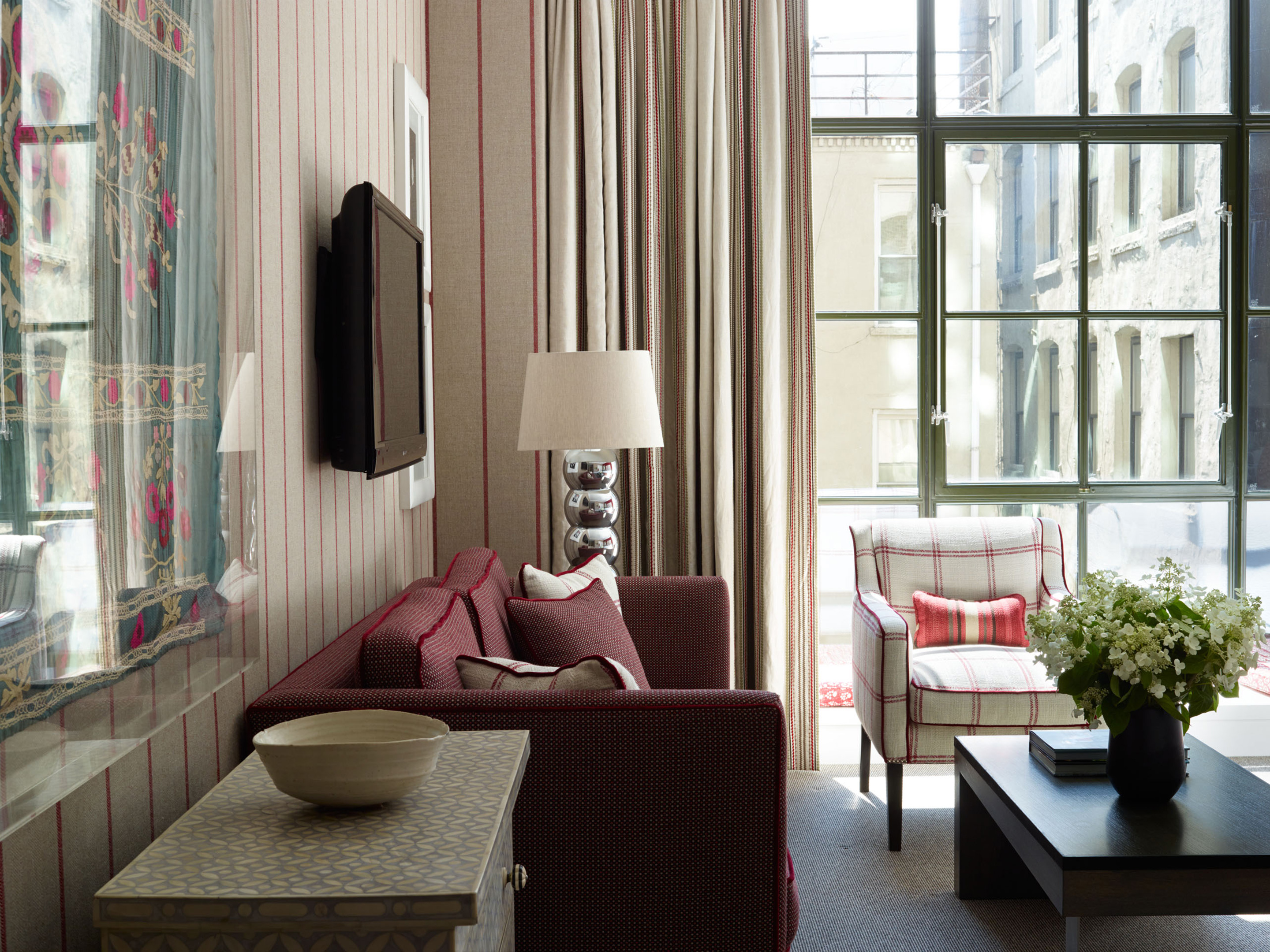 rooms suites at crosby hotel in new york city usa. Black Bedroom Furniture Sets. Home Design Ideas