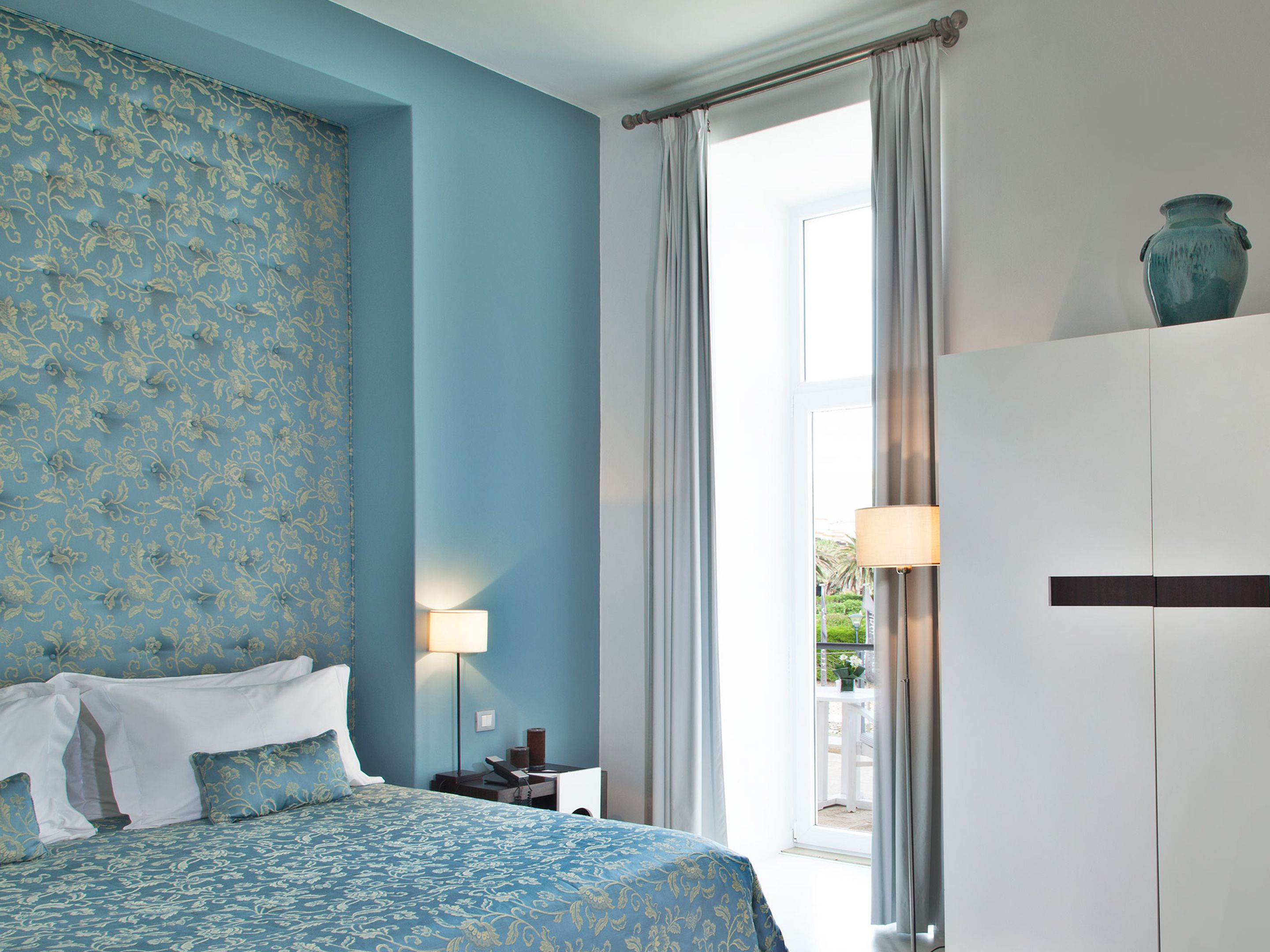 rooms & suites at farol in cascais, portugal - design hotels™