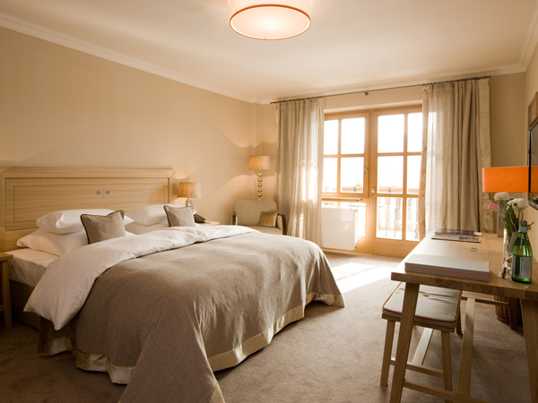 Rooms suites at bachmair weissach in tegernsee design for Designhotel tegernsee