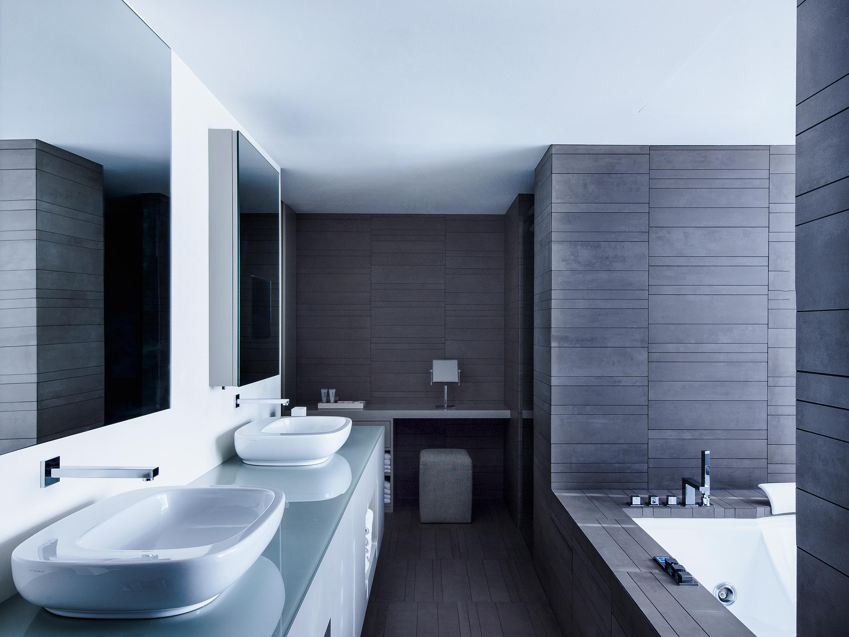 Rooms suites at the mandala in berlin germany design for Top design hotels berlin