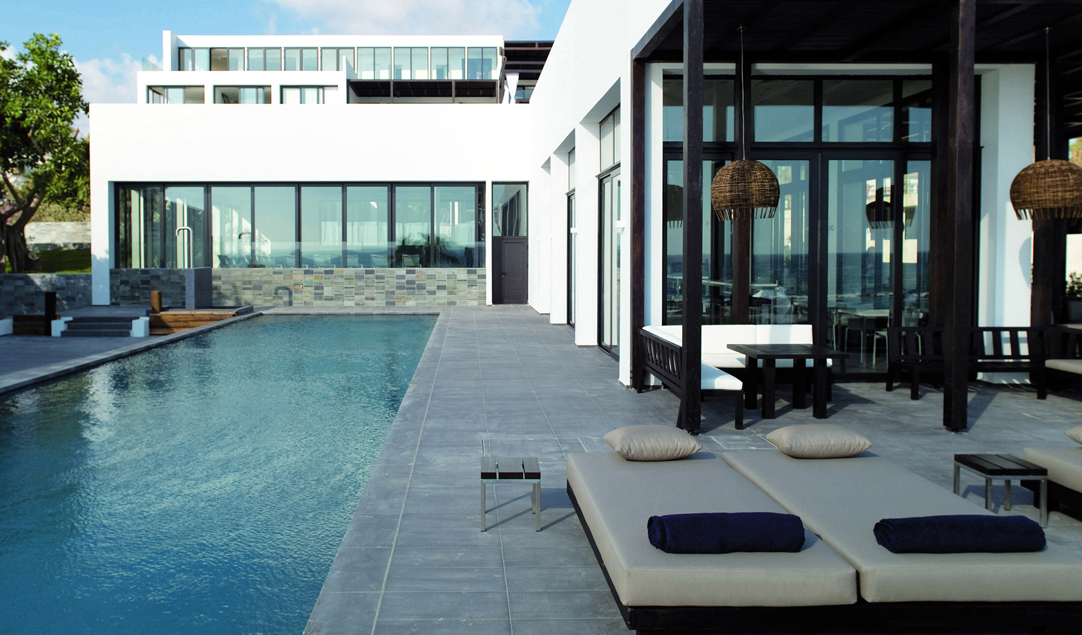 Almyra paphos cyprus design hotels for Design hotel speicher 7