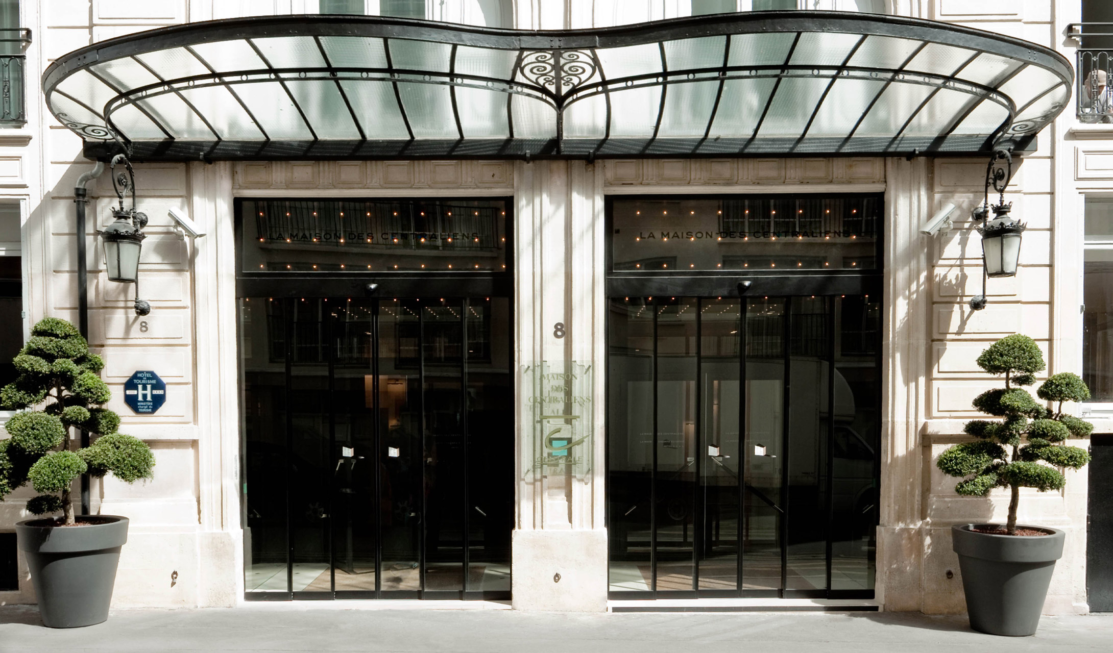 La maison champs elysees paris france design hotels for Designhotel q