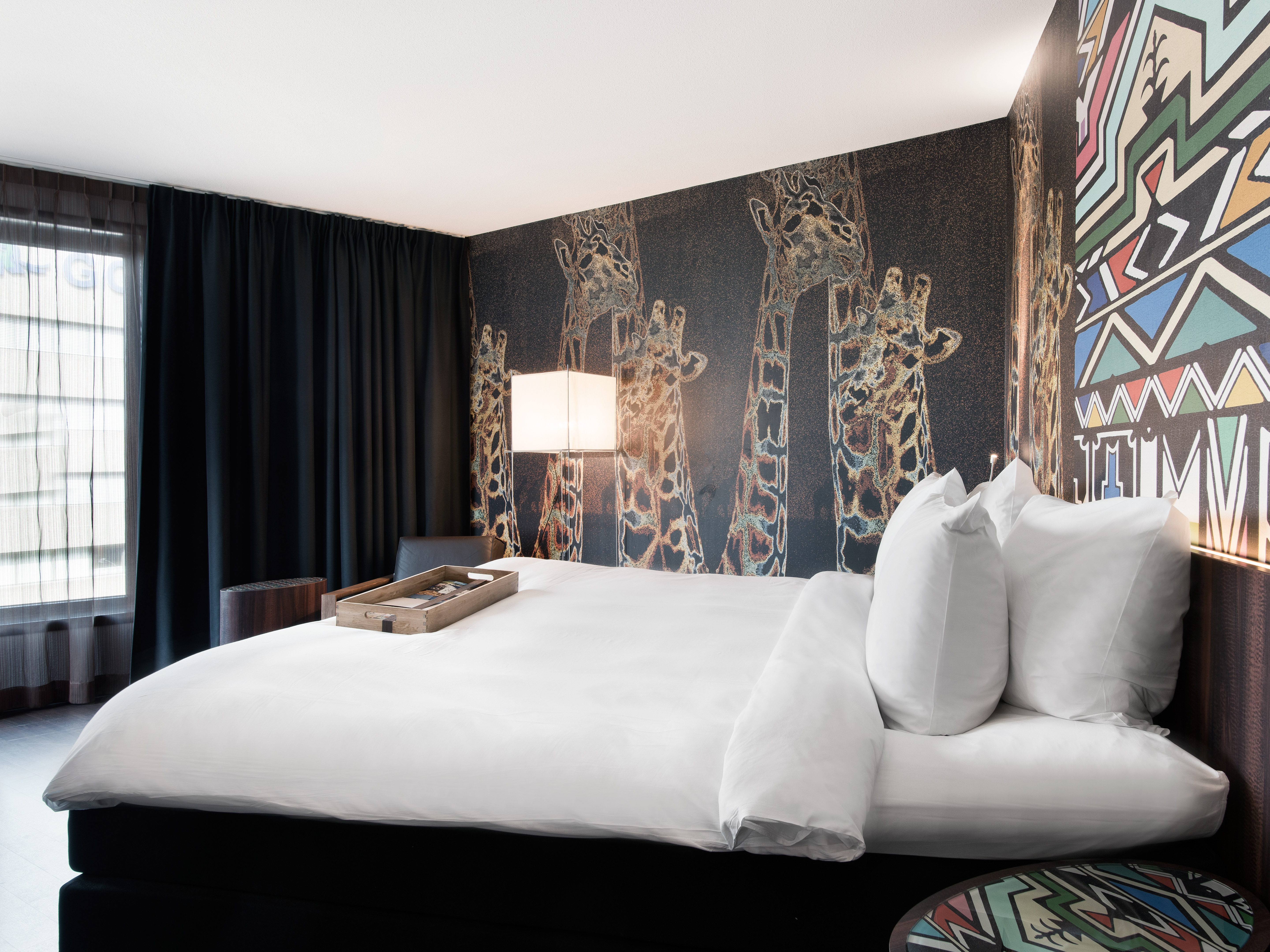 Rooms suites at mainport in rotterdam design hotels for Designhotel rotterdam