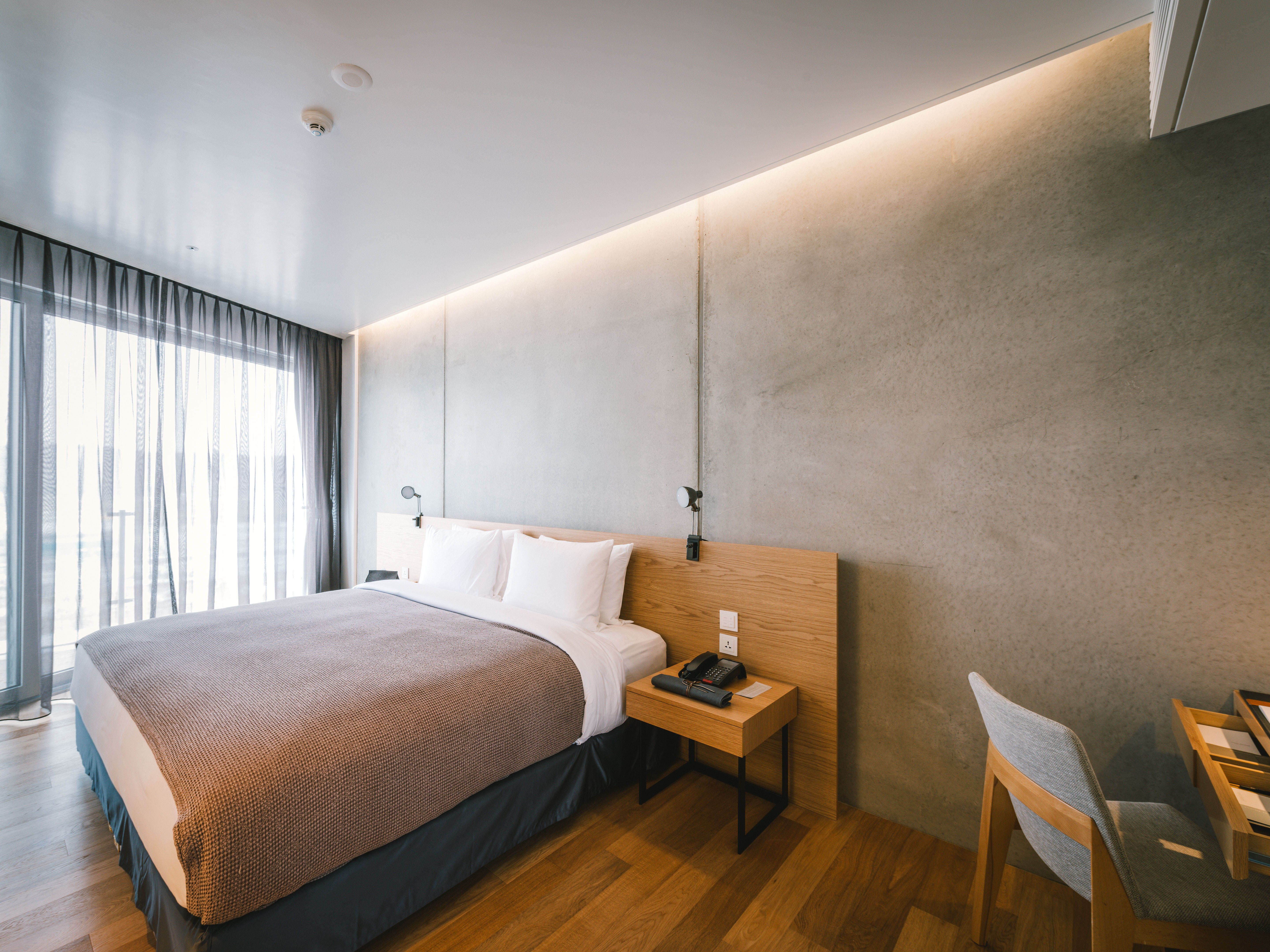 Rooms suites at nest hotel in incheon south korea for Design hotel korea