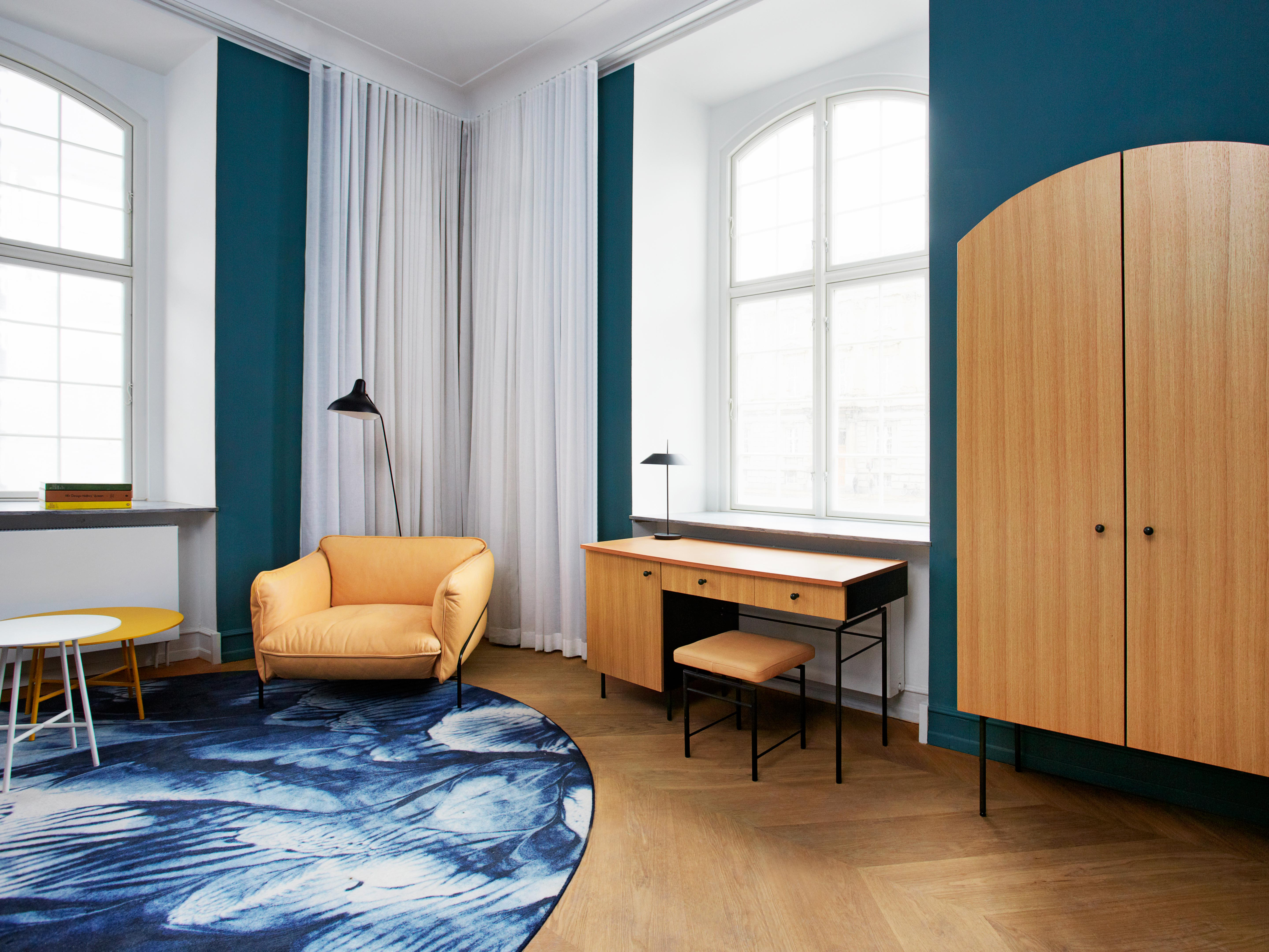 rooms suites at nobis hotel copenhagen in denmark design hotels. Black Bedroom Furniture Sets. Home Design Ideas