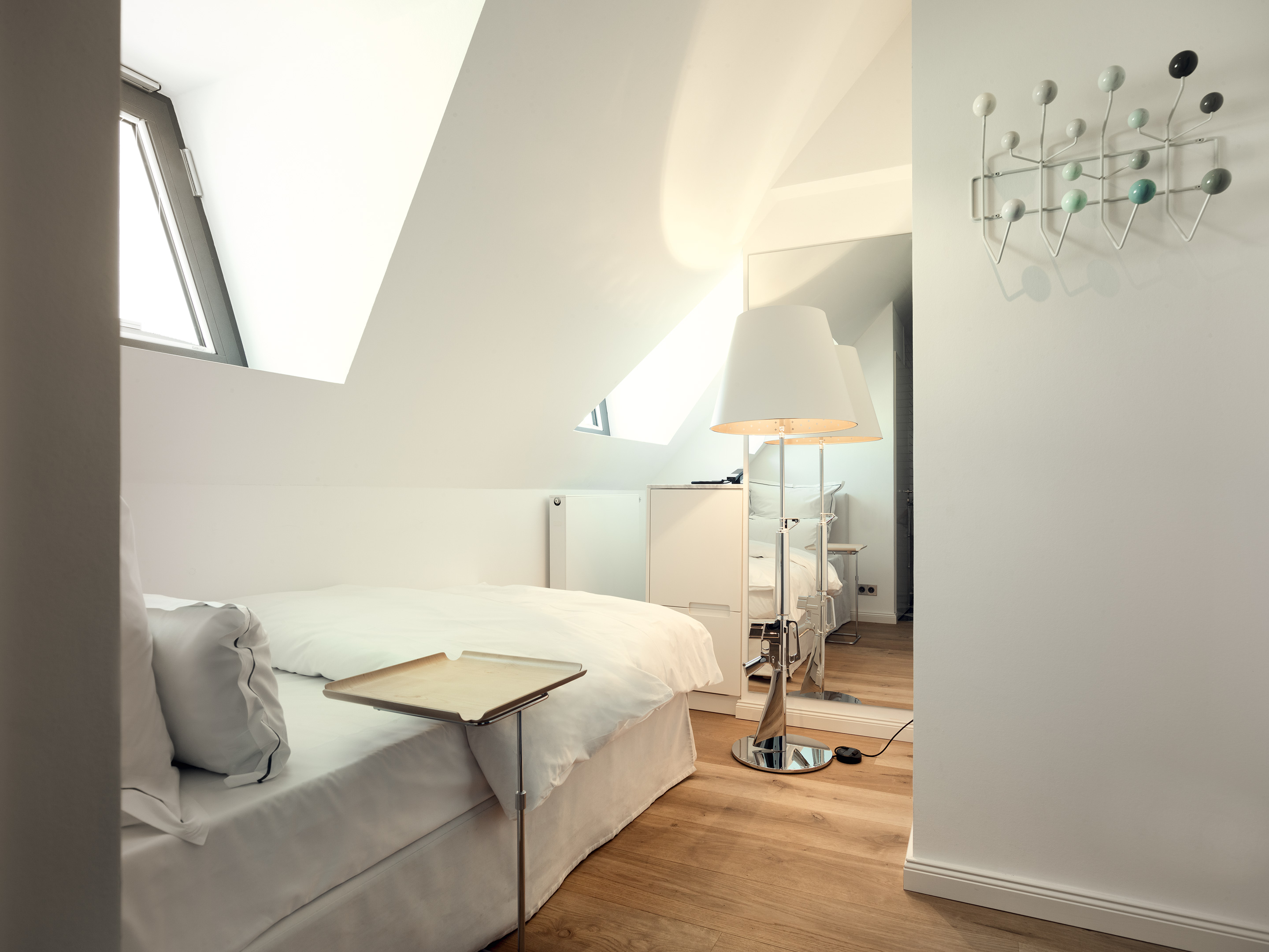 Rooms suites at the qvest in cologne germany design for Design hotel koeln
