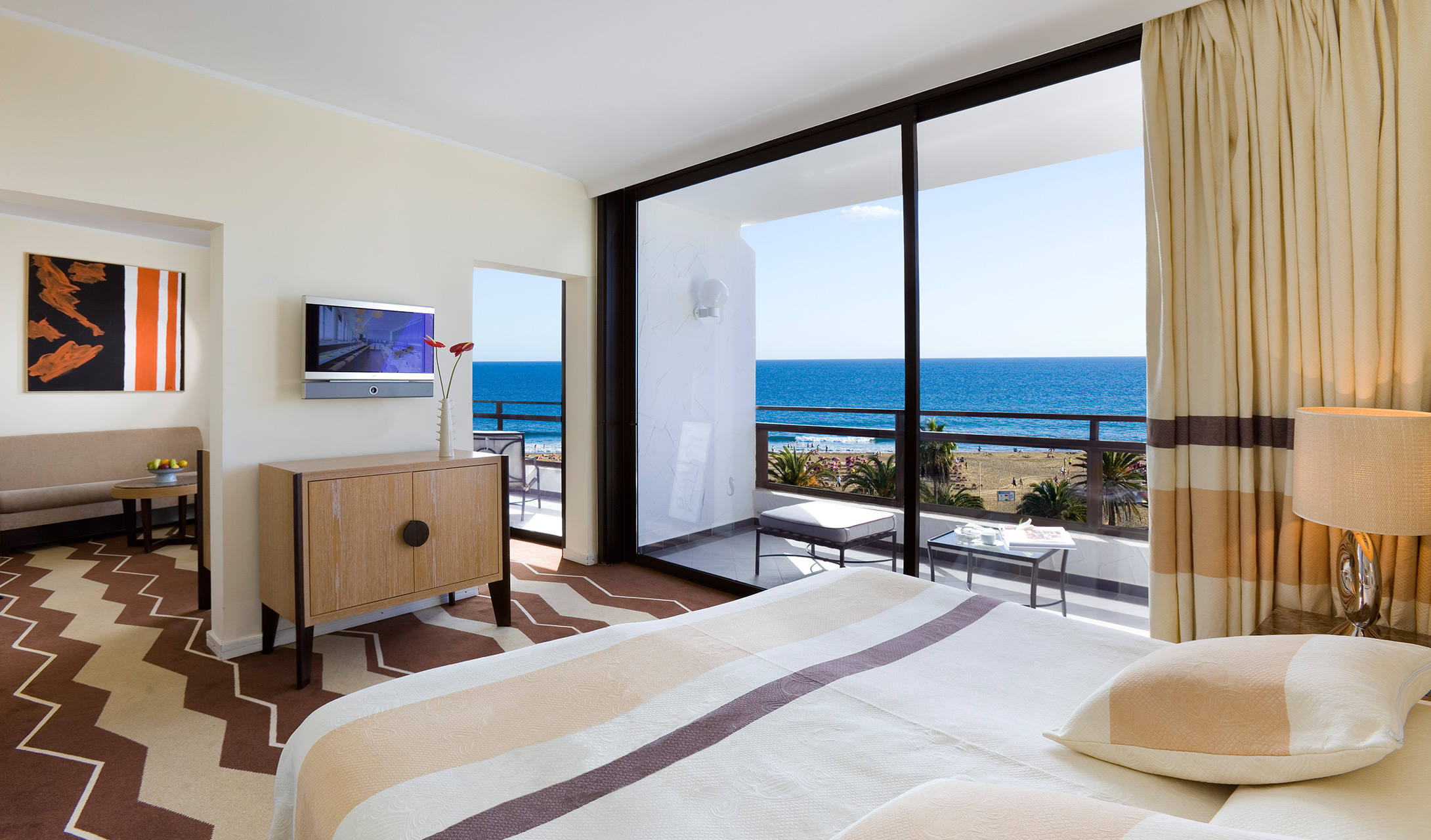 Seaside palm beach maspalomas spain design hotels for Hotel suite design