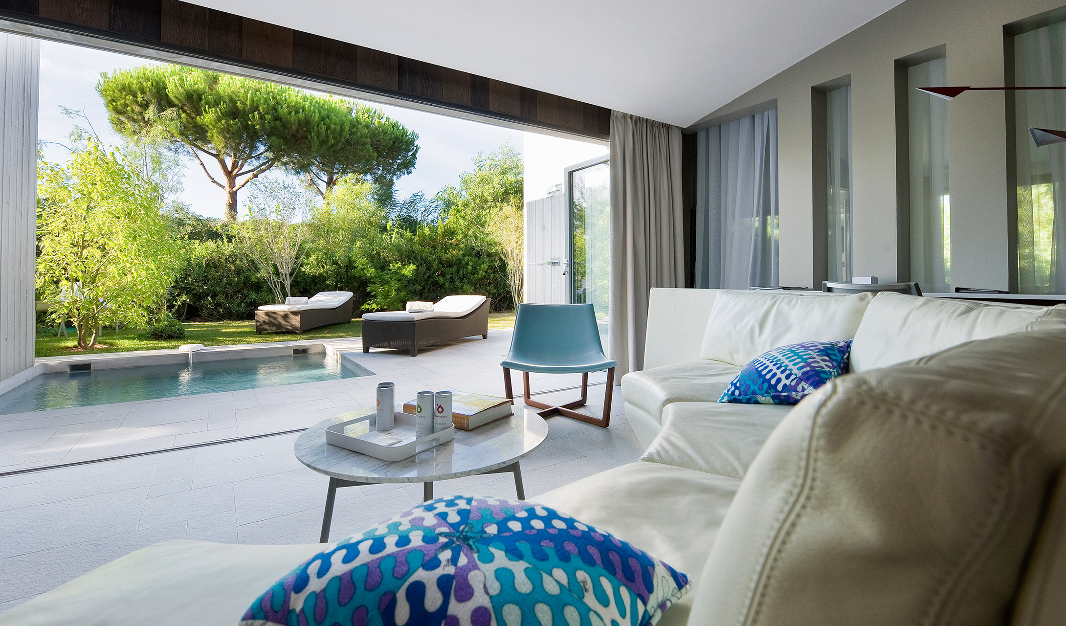 Hotel sezz saint tropez france design hotels for Designhotel q