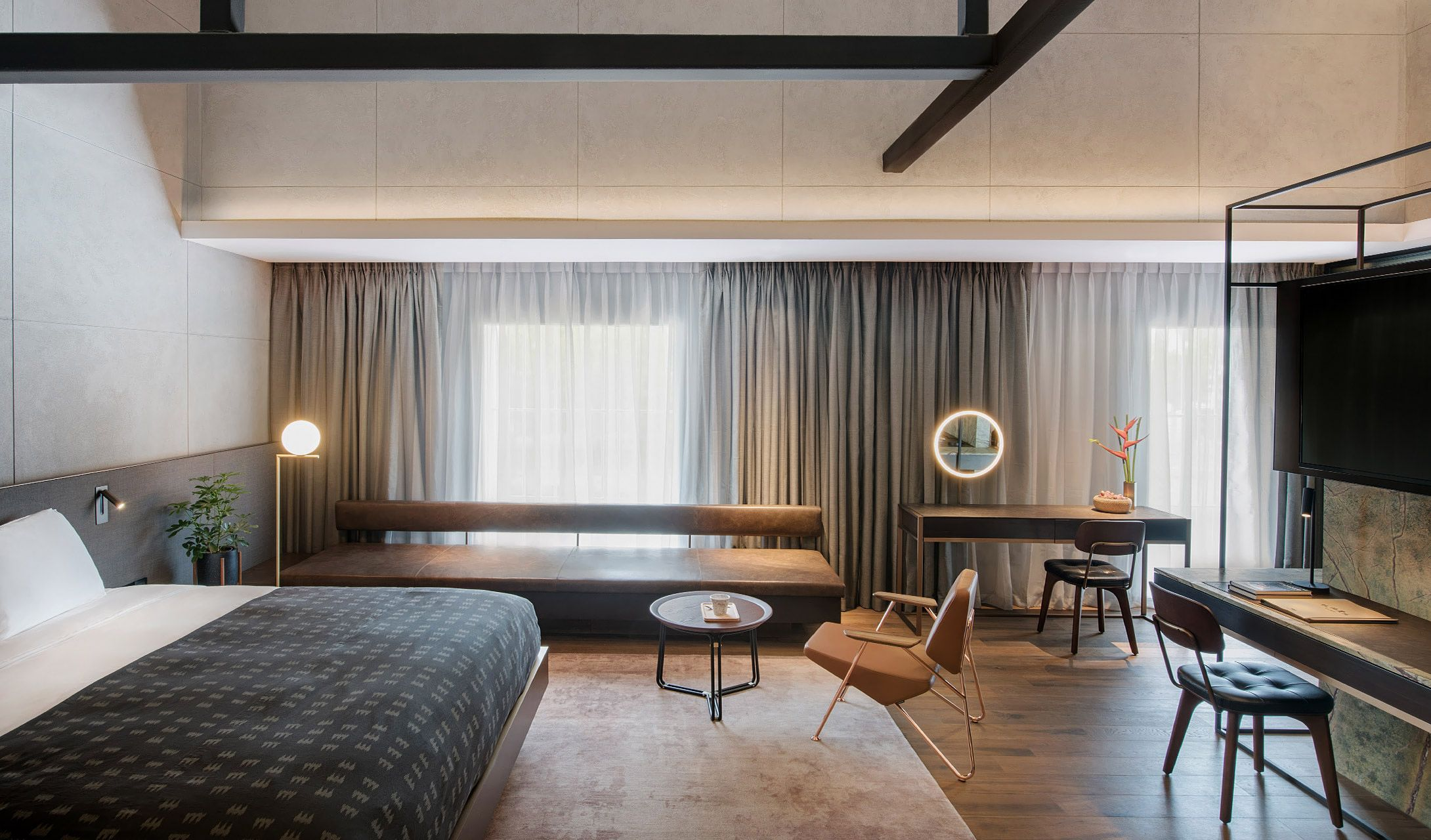 The warehouse hotel singapore singapore design hotels for Small hotel interior design