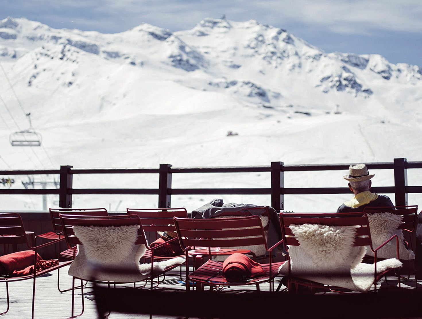 Mountain luxury hotels for your next ski holiday design for Design skihotel